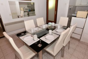 Apartments Gajac - Accommodation unit - Summer residence Holly - Three bedroom apartment - Dining room - 02