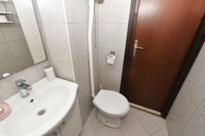 Apartments Gajac - Accommodation unit - Summer residence Holly - Three bedroom apartment - Bathroom - 02