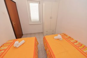 Apartments Gajac - Accommodation unit - Summer residence Holly - Three bedroom apartment - Bedroom - 02a
