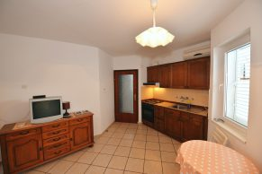 Apartments Gajac - Accommodation unit - Summer residence Ljiljana - One bedroom apartment - Kitchen and living room