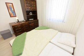 Apartments Gajac - Accommodation unit - Summer residence Kapetan - Two bedroom apartment - Bedroom - 02a