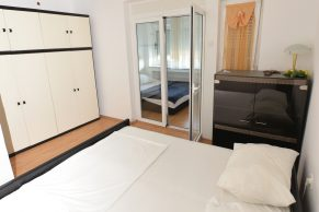 Apartments Gajac - Accommodation unit - Summer residence Kathy - Two bedroom apartment - Bedroom - 01a