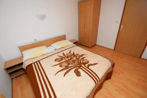 Apartments Mandre - Accommodation unit - Summer residence Magdalena - Two bedroom apartment - Bedroom - 02