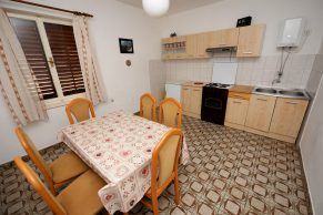 Apartments Mandre - Accommodation unit - Summer residence Magdalena - Three bedroom apartment - Dining room and kitchen -