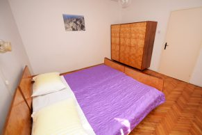 Apartments Mandre - Accommodation unit - Summer residence Magdalena - Three bedroom apartment - Bedroom - 01a