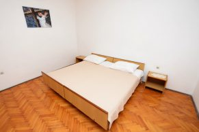 Apartments Mandre - Accommodation unit - Summer residence Magdalena - Three bedroom apartment - Bedroom - 03a