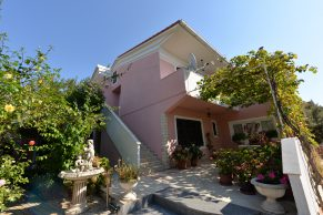Apartments Mandre - Summer residence Stosica - House and garden