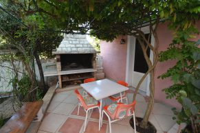 Apartments Mandre - Accommodation unit - Summer residence Stosica - Two bedroom apartment - Garden