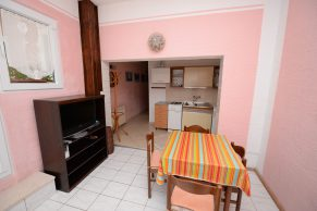 Apartments Mandre - Accommodation unit - Summer residence Stosica - Two bedroom apartment - Kitchen, living and dining area - 01a