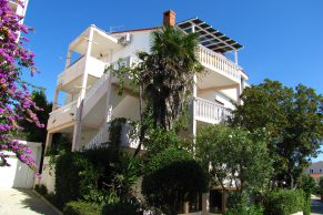 Apartments Novalja - Summer residence Lana - Street view -