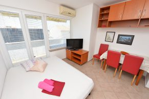 Apartments Novalja - Accommodation unit - Summer residence Mate - One bedroom apartment - Dining and living room with sofa bed for one person