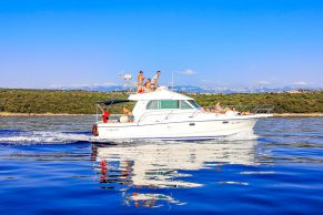 Boat Trips - Private Yacht Tour
